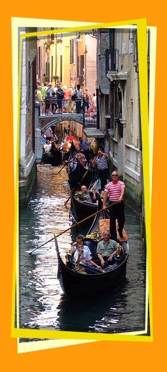 Tourist Guide Venice: hire a gondola to explore Venice
